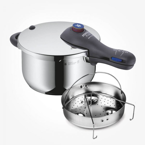 WMF Perfect Plus Pressure Cooker 4.5L w/insert and trivet